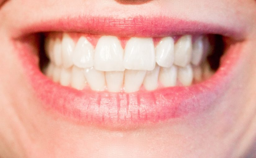 Nowoczesna technologia używana w salonach stomatologii estetycznej zdoła sprawić, że odzyskamy śliczny uśmiech.